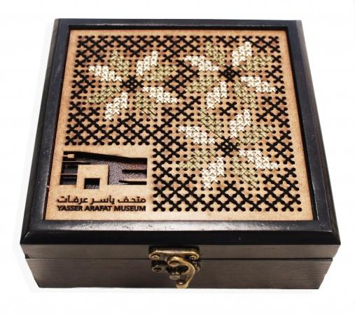 صندوق مطرز