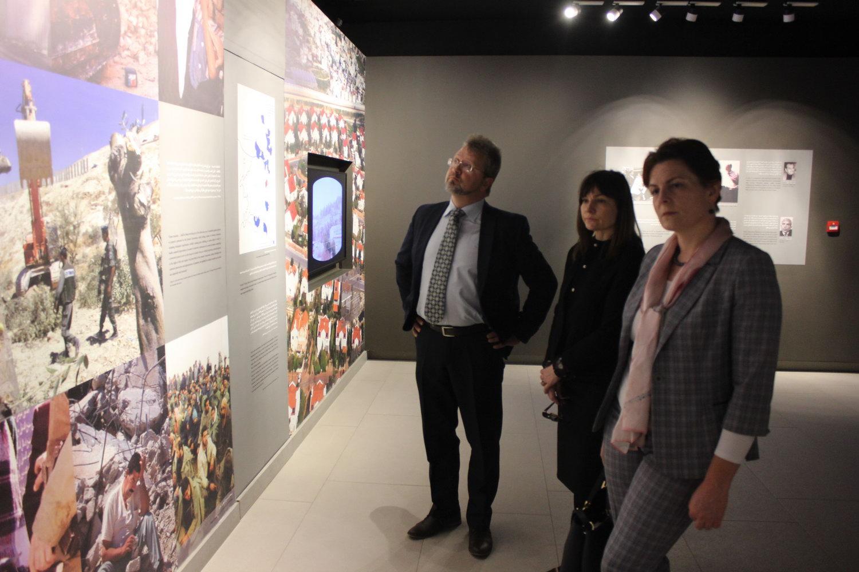 """السفيرة """"Diana Mickeviciene"""" تزور متحف ياسر عرفات"""